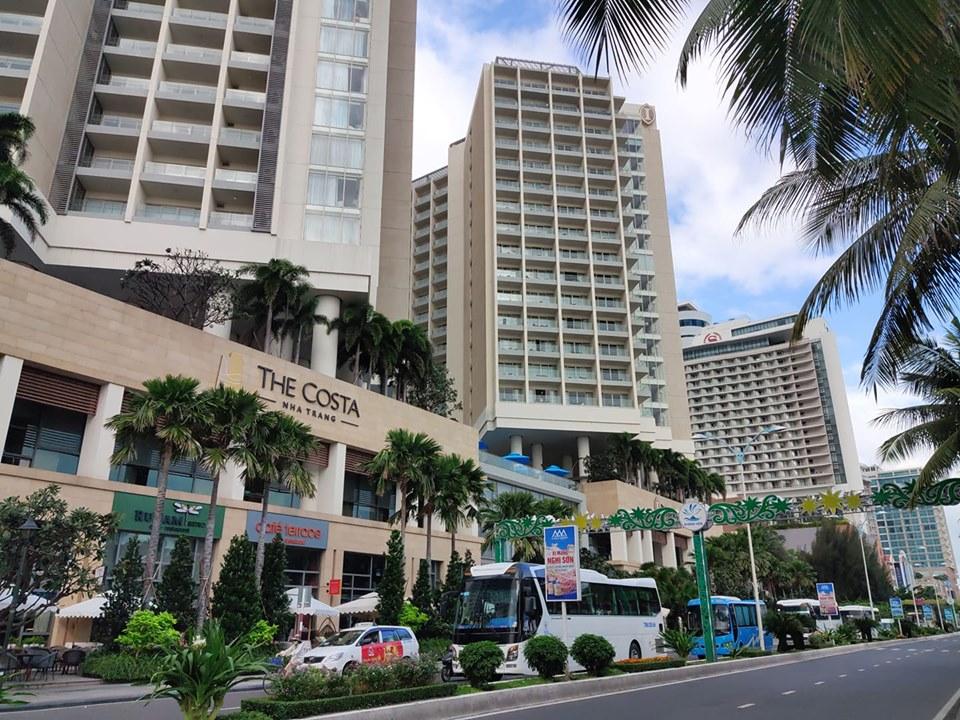 Nha Trang: Vắng khách hàng loạt khách sạn rao bán cắt lỗ - Ảnh 3.