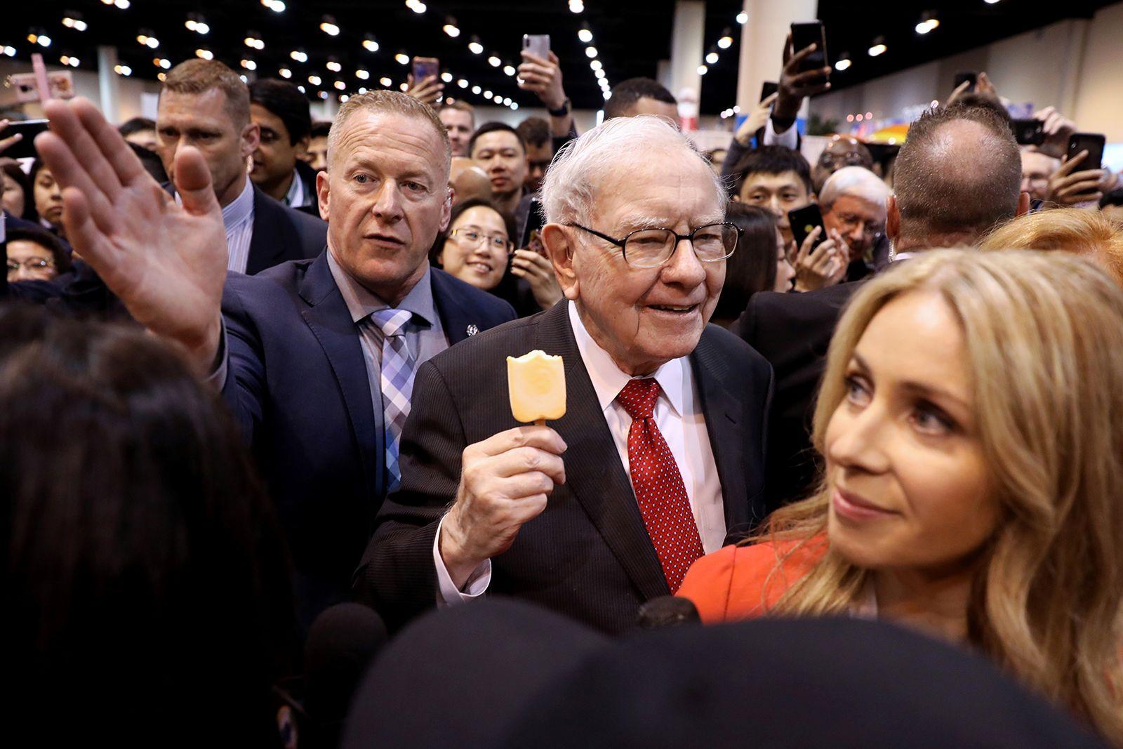 Cuộc đời và sự nghiệp của Warren Buffett qua những tấm ảnh - Ảnh 22.