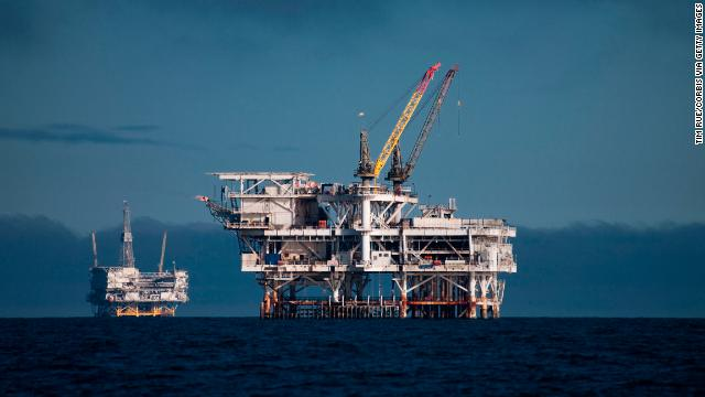 Bản tin thị trường năng lượng ngày 31/8: Giá dầu thô tăng mạnh do những tác động từ thời tiết xấu - Ảnh 1.