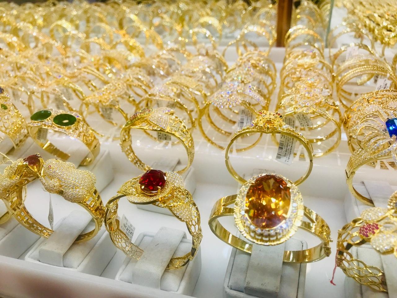 Giá vàng trong nước chính thức vượt mốc 59 triệu đồng/lượng - Ảnh 2.