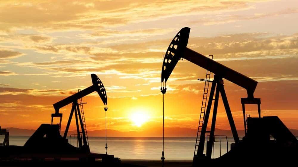 Giá xăng dầu hôm nay 6/8: Tồn kho Mỹ giảm mạnh, giá dầu tăng trở lại - Ảnh 1.