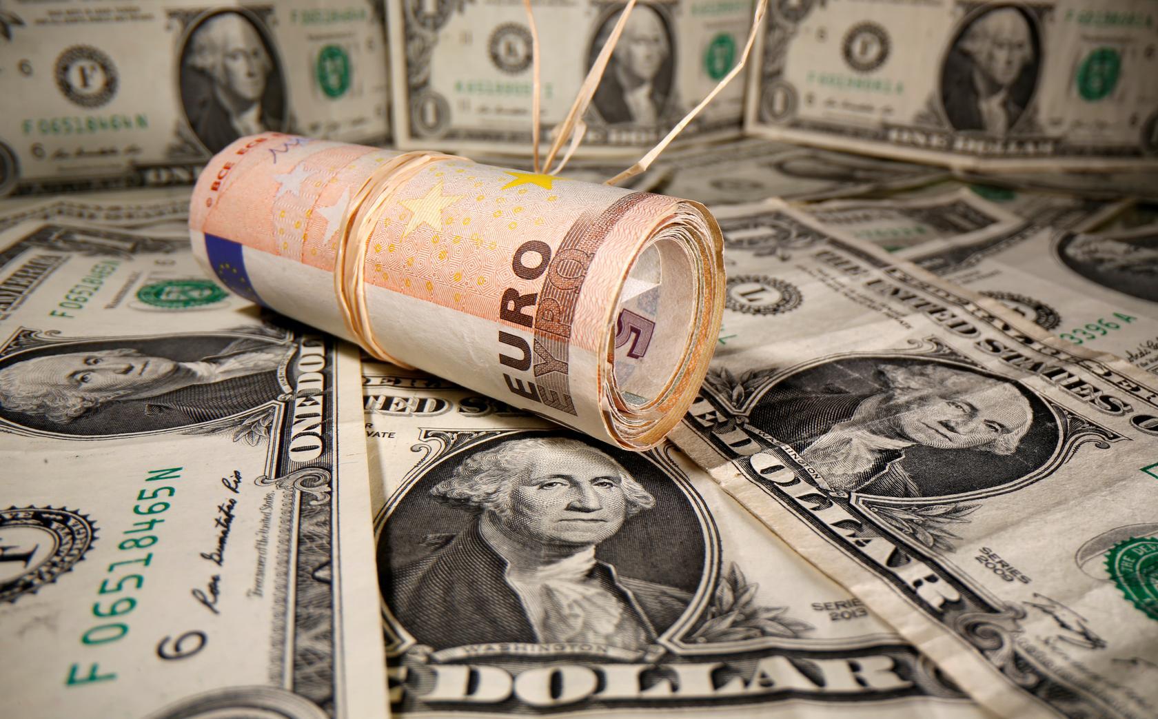 Tỷ giá USD hôm nay 5/1: Trượt dốc khi tâm lí đầu tư rủi ro lên cao - Ảnh 1.