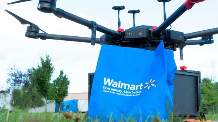 Cuộc đua giao hàng từ trên trời giữa vua thương mại điện tử và nhà bán lẻ lớn nhất thế giới - Ảnh 1.