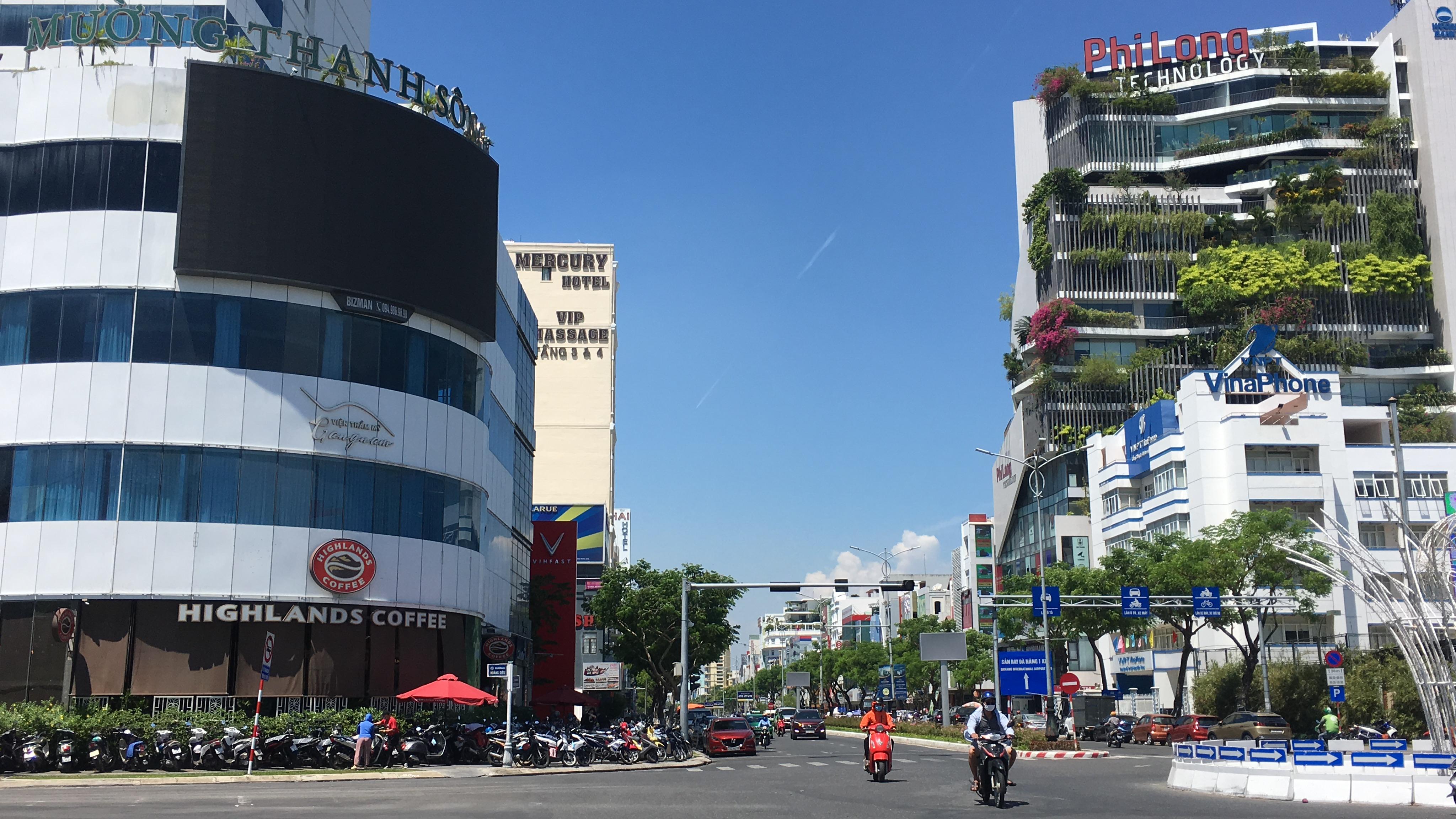Quán xá Đà Nẵng đông khách cho phục vụ ăn uống tại chỗ sáng 11/9 - Ảnh 3.