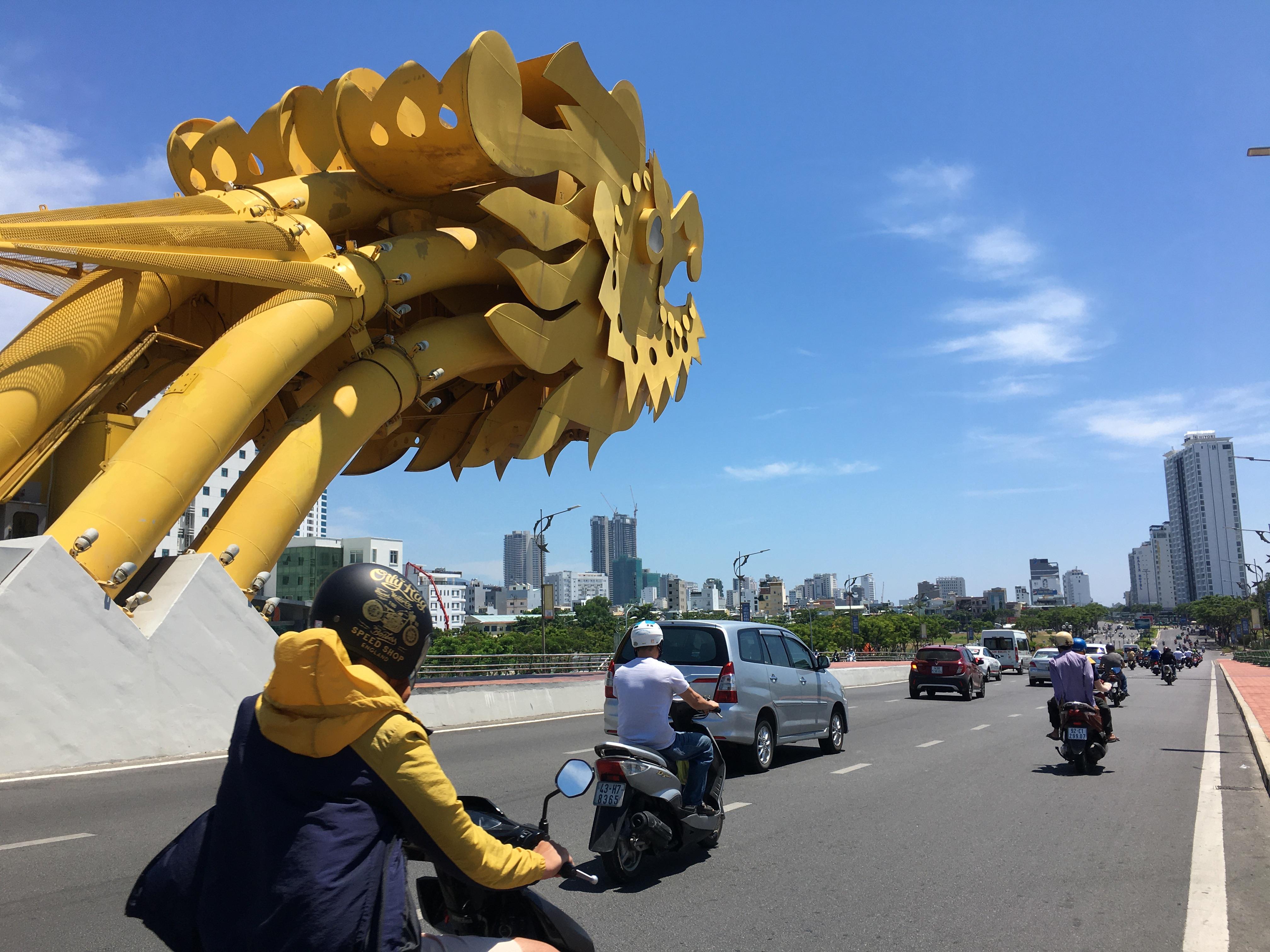Quán xá Đà Nẵng đông khách cho phục vụ ăn uống tại chỗ sáng 11/9 - Ảnh 2.
