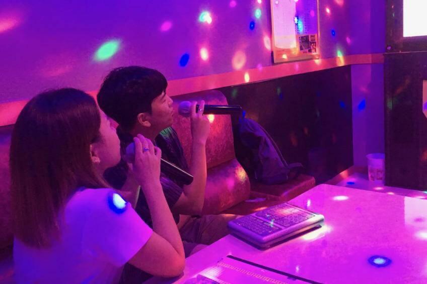 Quán bar, karaoke, vũ trường tại Hà Nội hoạt động từ 16/9, phố đi bộ từ 18/9