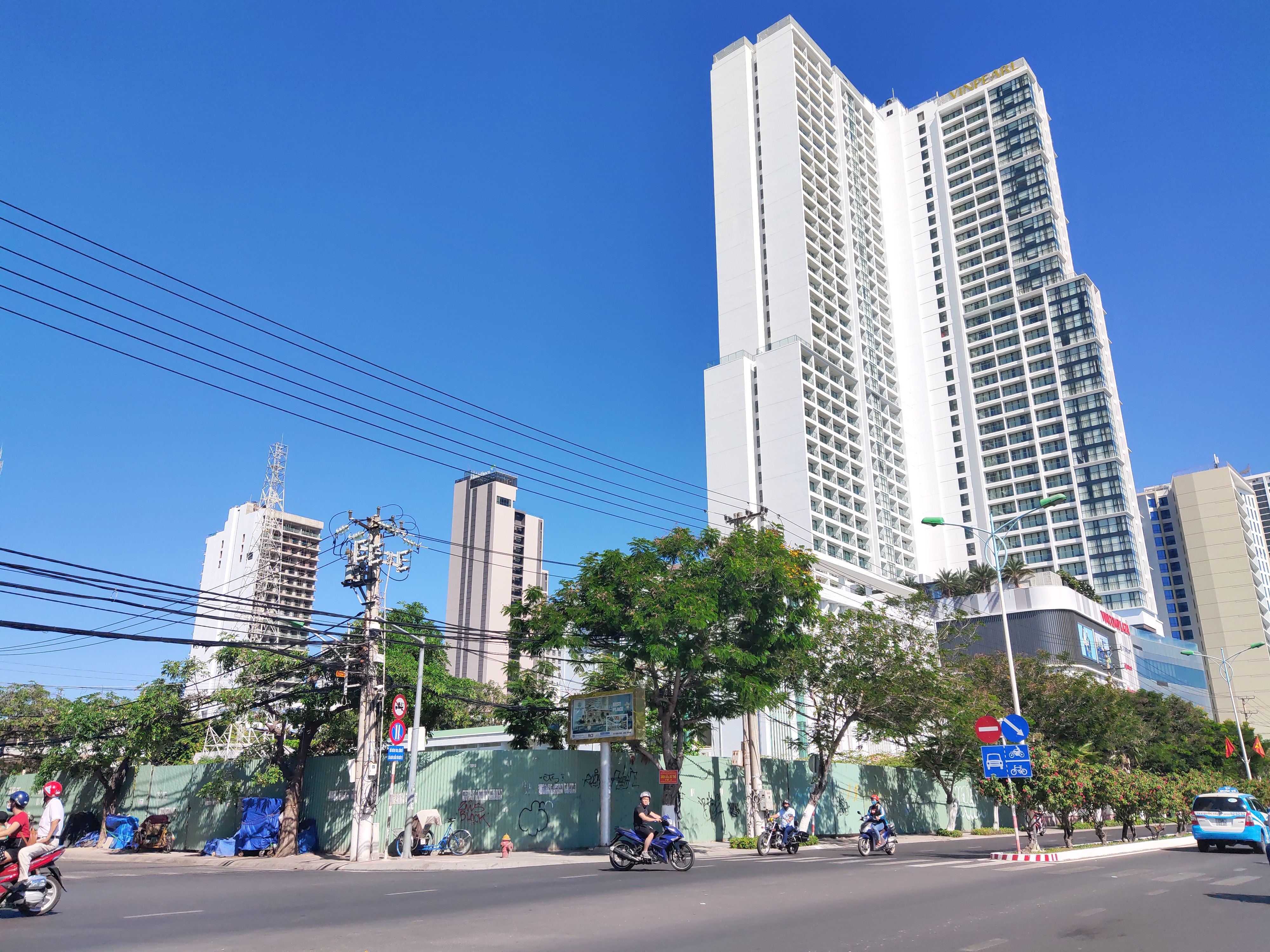 Nha Trang: Hàng loạt dự án khách sạn, cao ốc 'bất động' chờ qui hoạch mới - Ảnh 2.