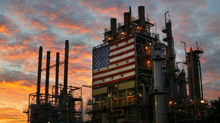 Giá xăng dầu hôm nay 16/9: Dầu tăng trở lại mặc dù sự phục hồi vẫn còn rất chậm - Ảnh 1.