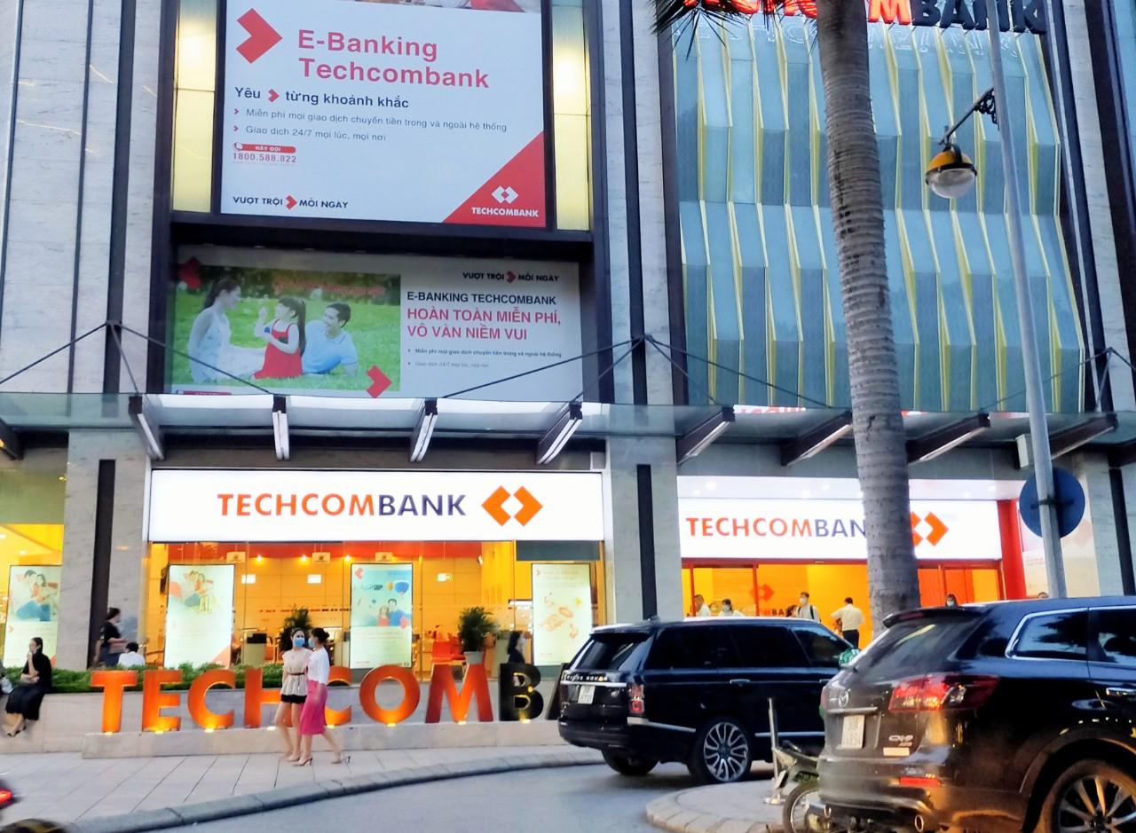 Người nhà Giám đốc Kế toán Techcombank đăng kí mua 1 triệu cổ phiếu TCB - Ảnh 1.