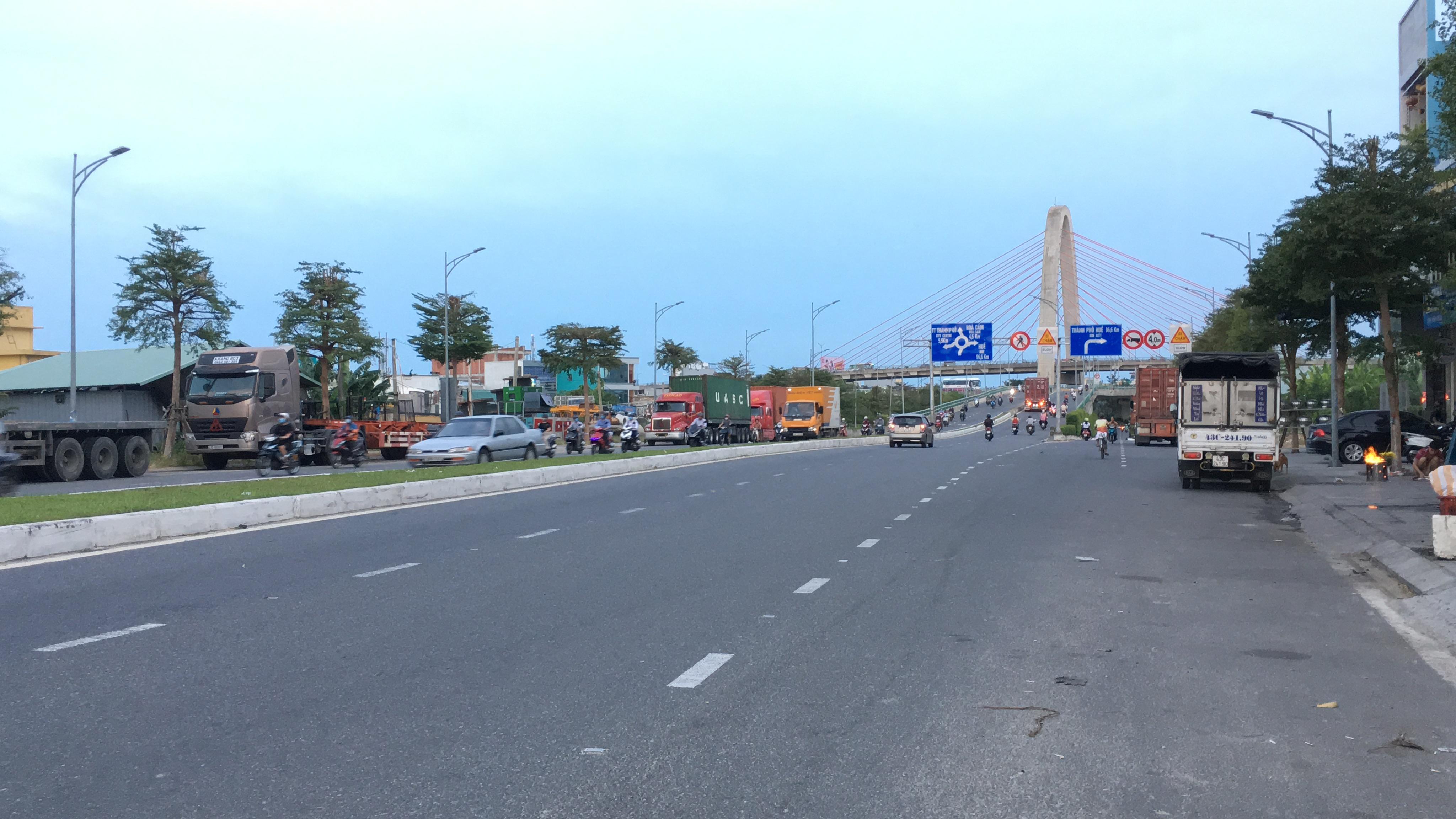 Tuyến đường trục 1 Tây Bắc đang mở theo qui hoạch ở quận Liên Chiểu, Đà Nẵng - Ảnh 3.