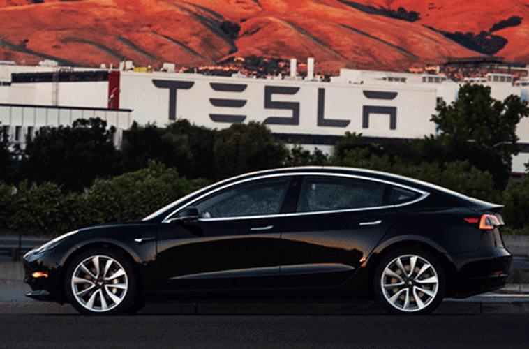 Từ Tesla tới VinFast: Các hãng xe bán được bao nhiêu ô tô mới bắt đầu có lãi? - Ảnh 1.