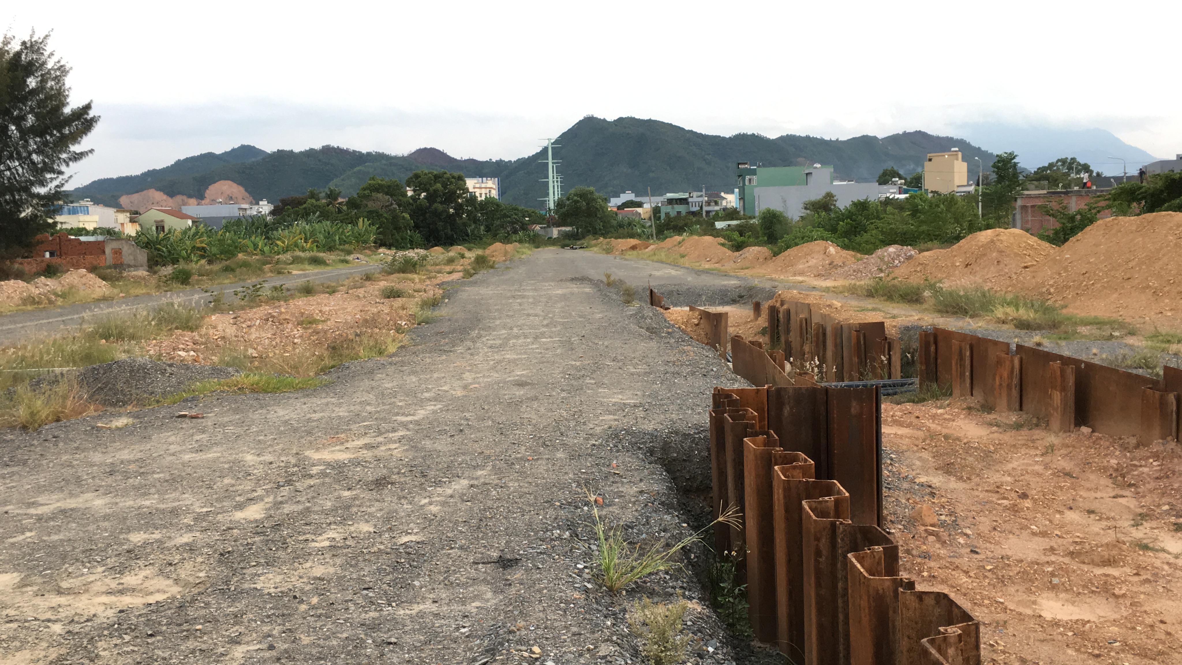 Tuyến đường trục 1 Tây Bắc đang mở theo qui hoạch ở quận Liên Chiểu, Đà Nẵng - Ảnh 27.