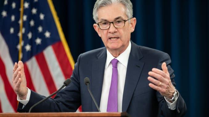Fed cam kết giữ nguyên lãi suất đến năm 2023 - Ảnh 1.