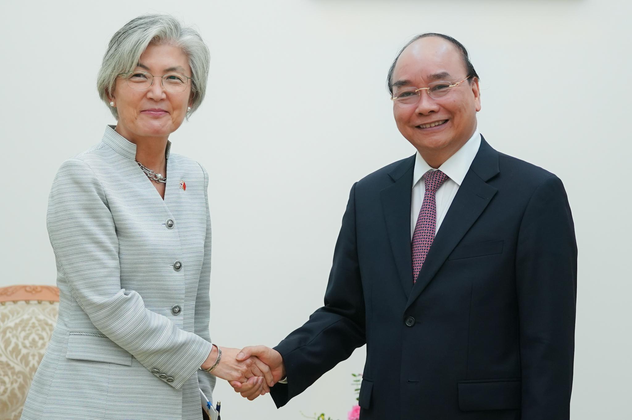 Thủ tướng muốn Hàn Quốc bỏ các điều kiện ràng buộc với các khoản vay ODA - Ảnh 1.