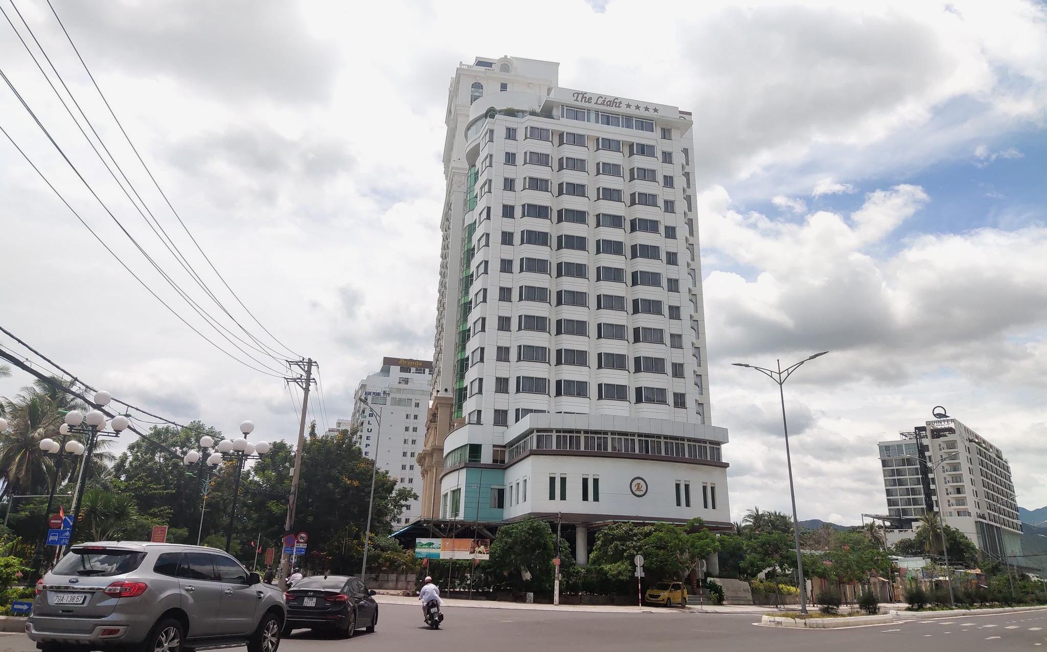 Nha Trang: Hàng loạt dự án khách sạn, cao ốc 'bất động' chờ qui hoạch mới - Ảnh 3.