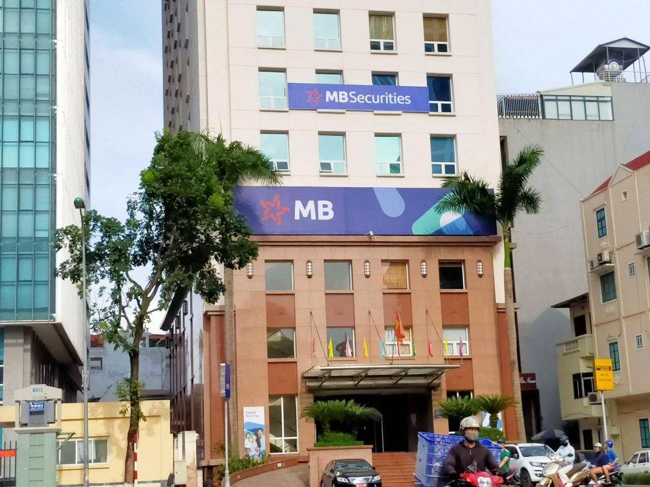 Quỹ đầu tư thuộc MB Capital muốn bán sạch 3 triệu cổ phiếu MBB - Ảnh 1.