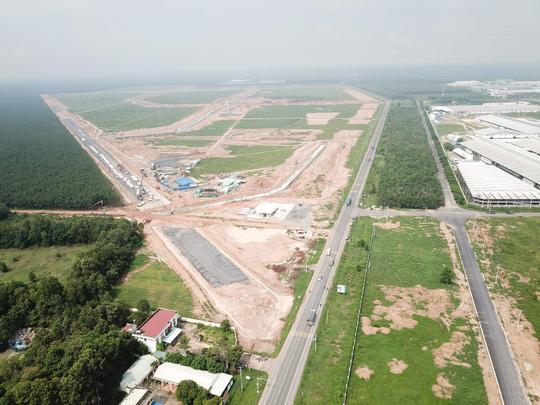 Đồng Nai thu hồi thêm đất của hai doanh nghiệp làm sân bay Long Thành - Ảnh 1.