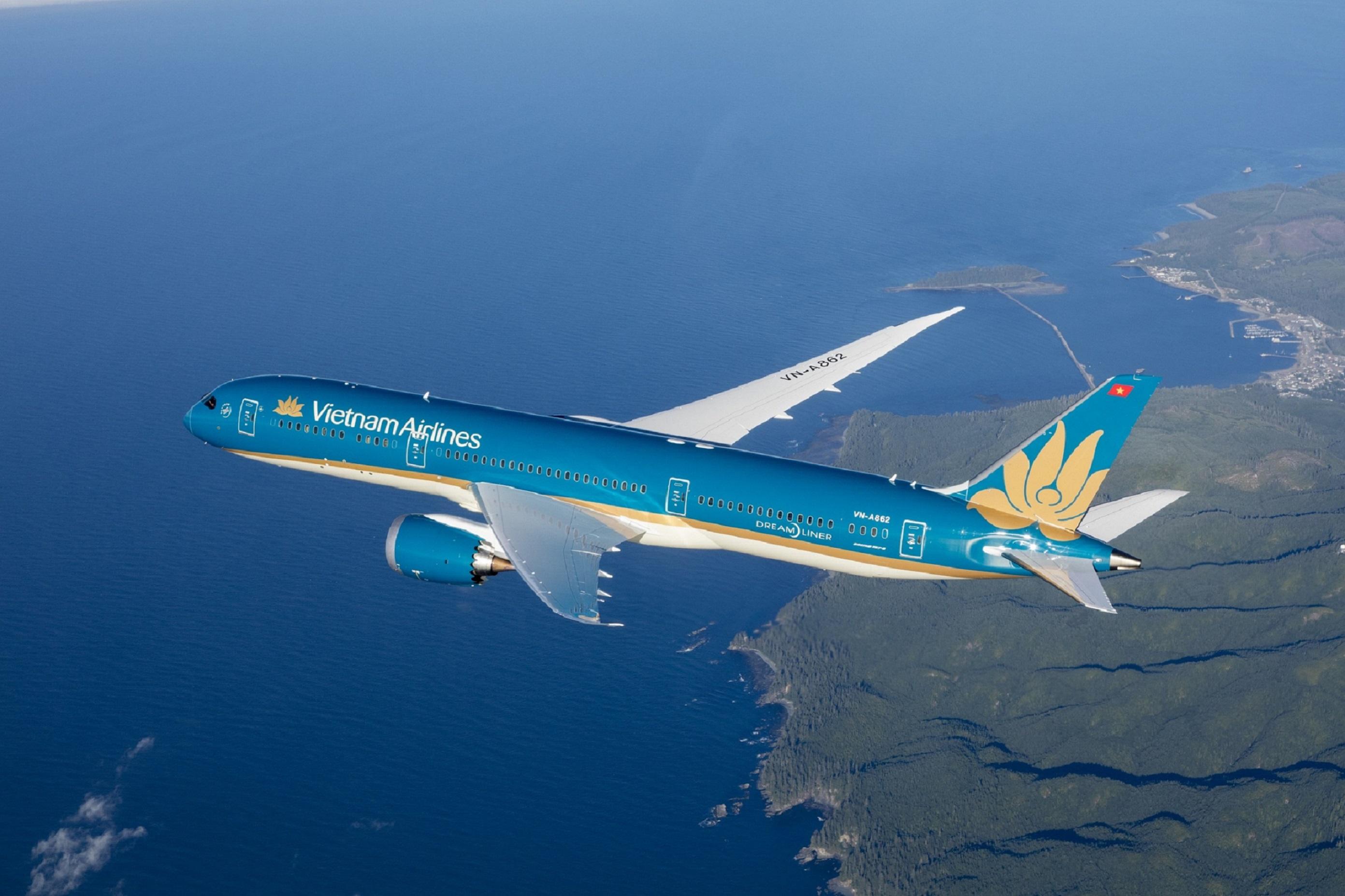 Chính thức mở chuyến bay thương mại quốc tế thường lệ đầu tiên về Việt Nam - Ảnh 1.