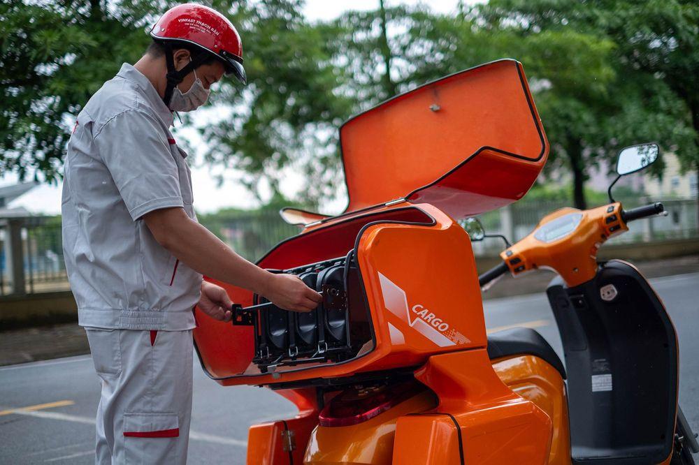 Bloomberg: Tỉ phú Phạm Nhật Vượng muốn đưa xe điện đến với người Việt Nam, chấp nhận để VinFast lỗ 5 năm - Ảnh 3.