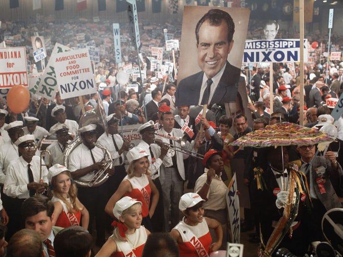 Khẩu hiệu tranh cử của các đời tổng thống Mỹ từ năm 1948 - Ảnh 5.
