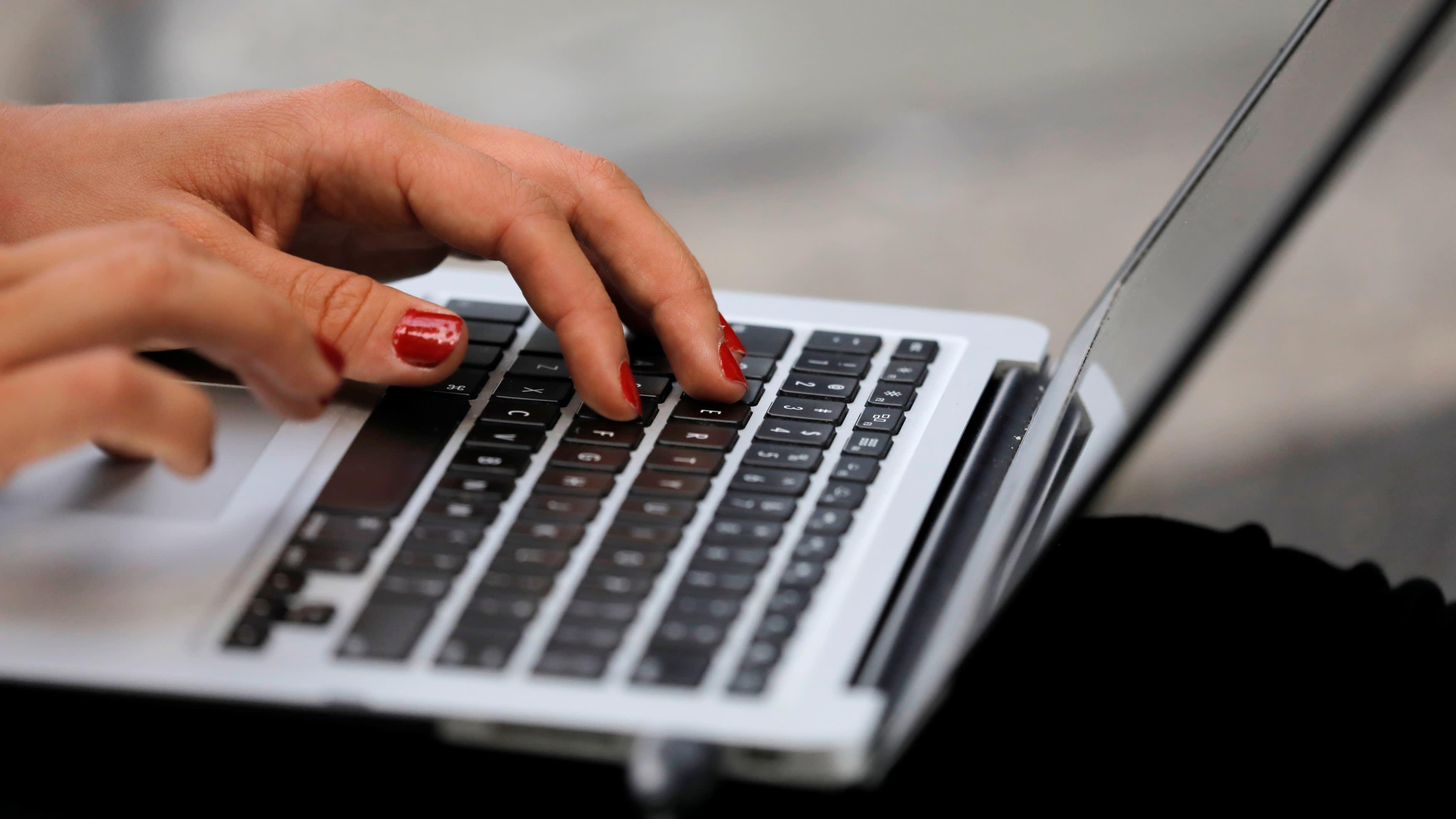 Việt Nam và Thái Lan sẽ là trung tâm sản xuất laptop chính, vượt mặt Trung Quốc vào năm 2030 - Ảnh 1.