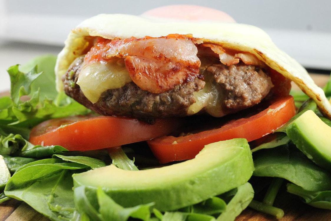 Thiếu cà chua, các chuỗi đồ ăn nhanh giữ khách bằng cách nào?