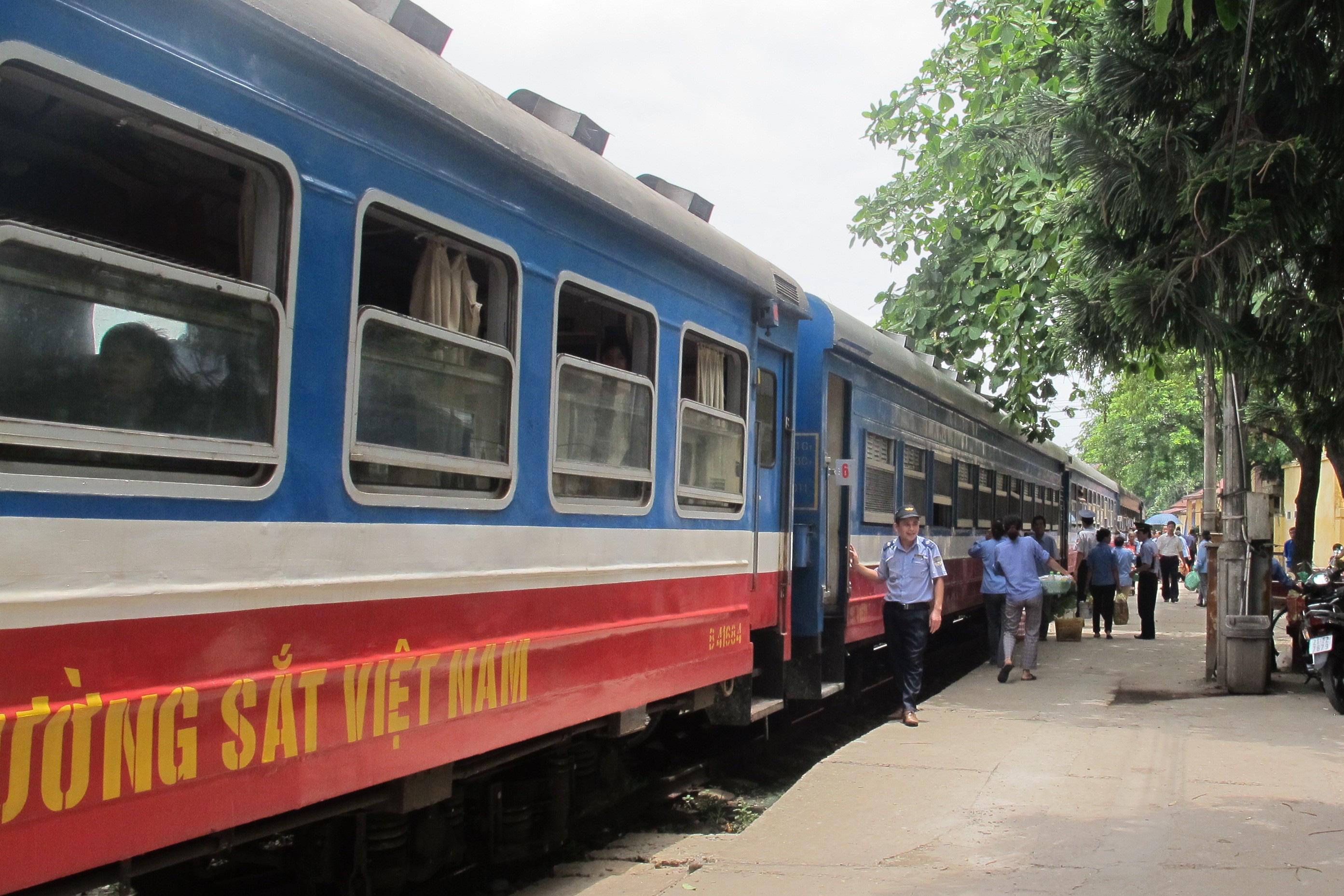 Dự báo lỗ 1.400 tỉ đồng, Đường sắt Việt Nam đang trong giai đoạn khó khăn nhất lịch sử