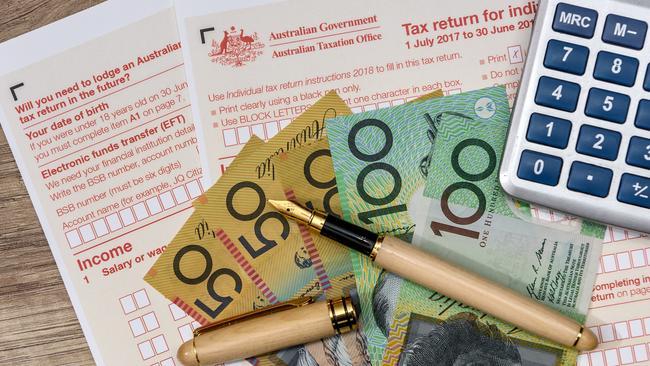 Australia xem xét giảm gần 120 tỷ USD thuế thu nhập cá nhân để đối phó với suy thoái kinh tế - Ảnh 1.