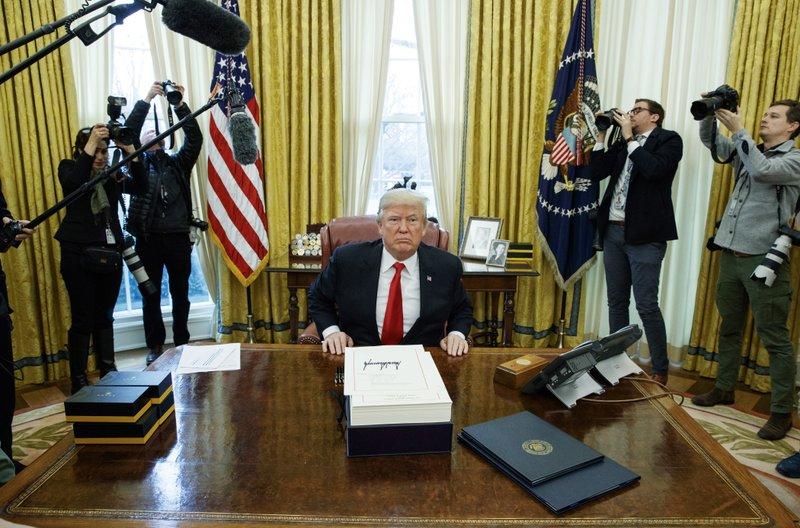Gánh nặng nợ nần của ông Trump có thực sự khủng khiếp? - Ảnh 1.
