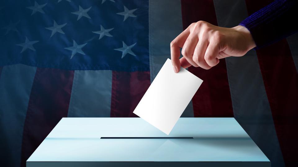 TikTok bổ sung thông tin về bầu cử Mỹ trên ứng dụng di động - Ảnh 1.