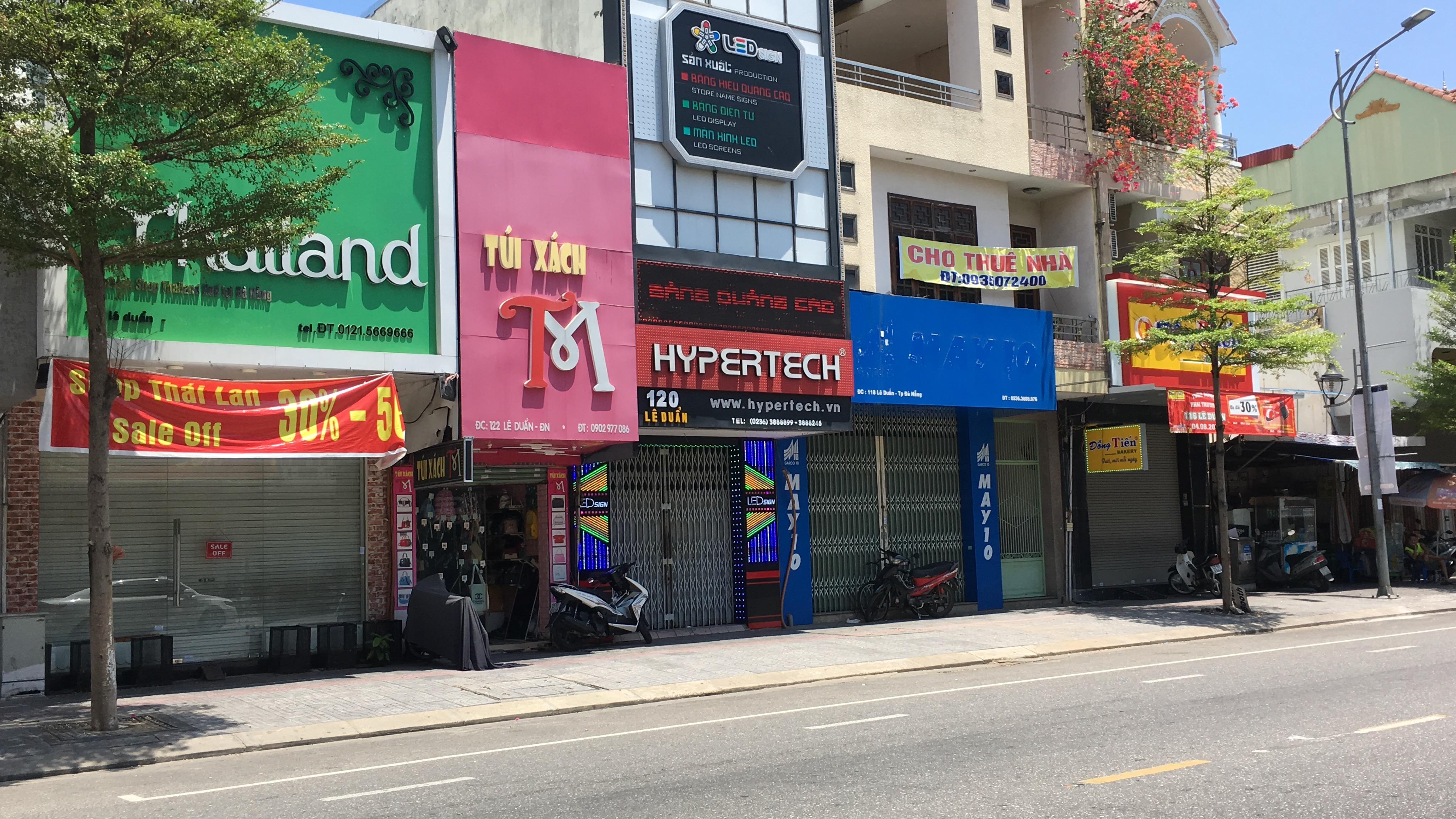 Đà Nẵng nới lỏng giãn cách xã hội: Phố thời trang vẫn đóng cửa không kinh doanh, trong khi hàng quán bán thức ăn mang về đông - Ảnh 6.