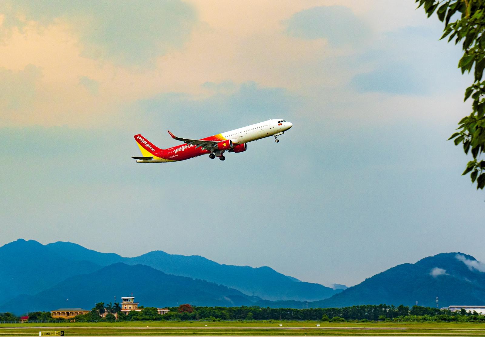 Vietjet mở lại các đường bay thường lệ tới Đà Nẵng - Ảnh 1.