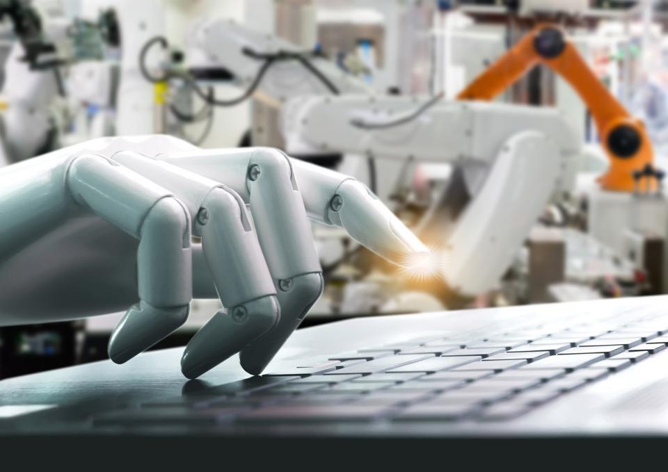 Những xu hướng chuyển đổi số góp phần định hình thế giới công nghệ năm 2020 - Ảnh 1.