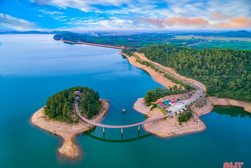Tập đoàn TH sẽ đầu tư ba dự án nông nghiệp công nghệ cao, du lịch xanh tại Hà Tĩnh?