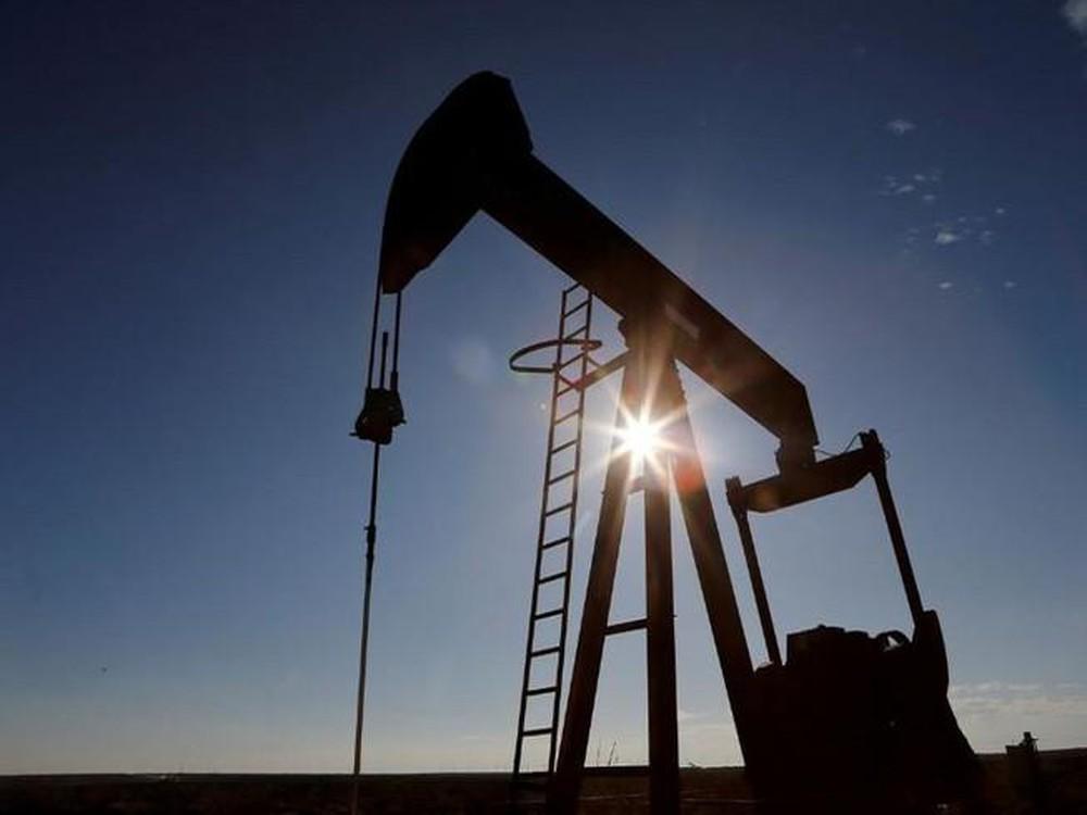 Giá xăng dầu tuần tới: Triển vọng phục hồi nhu cầu kém gây áp lực lên đà tăng giá dầu - Ảnh 1.
