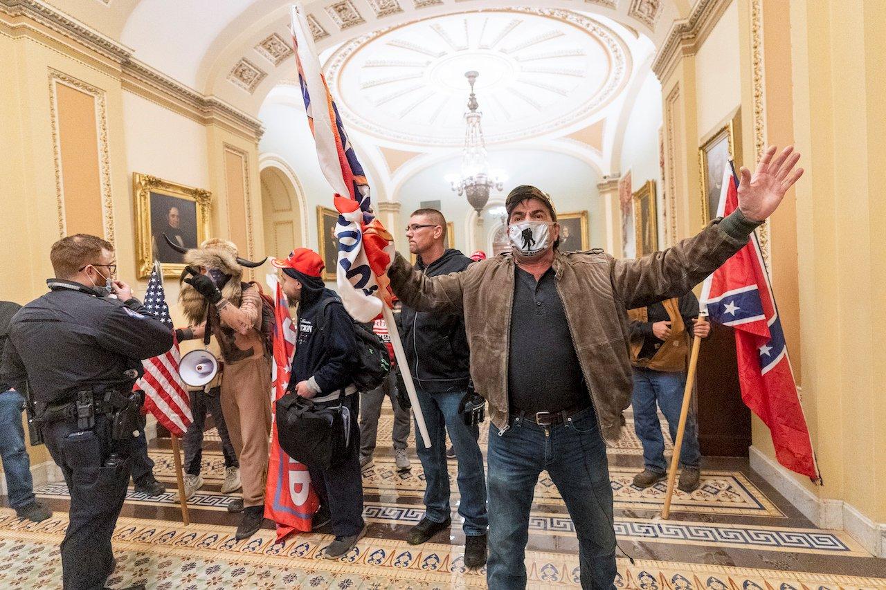 Đảng Cộng hòa nếm thêm trái đắng sau vụ bạo động Điện Capitol - Ảnh 1.