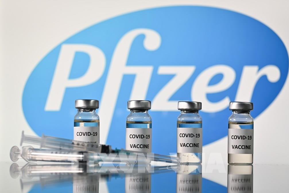 Pfizer cam kết giao vắc xin đúng hạn cho châu Âu