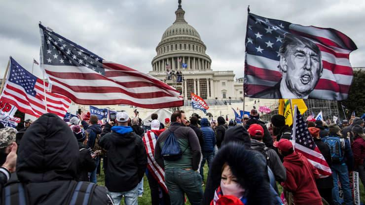 Lãnh đạo Đảng Cộng hòa tuyên bố ông Trump 'kích động' bạo loạn Điện Capitol, lừa dối đám đông - Ảnh 1.