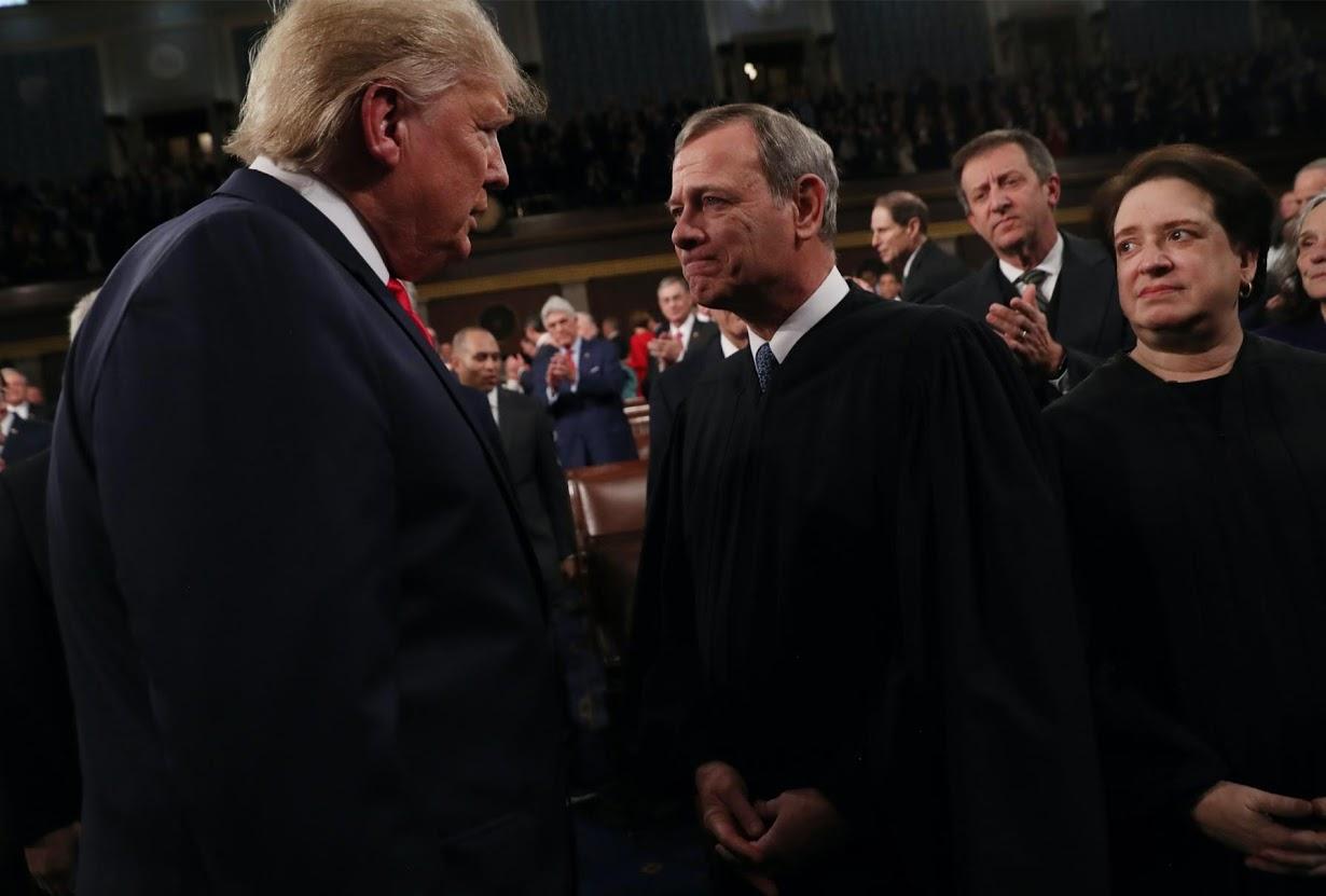Đám đông, biểu tình và hai cuộc luận tội: 4 năm ông Trump làm tổng thống qua những bức ảnh - Ảnh 9.