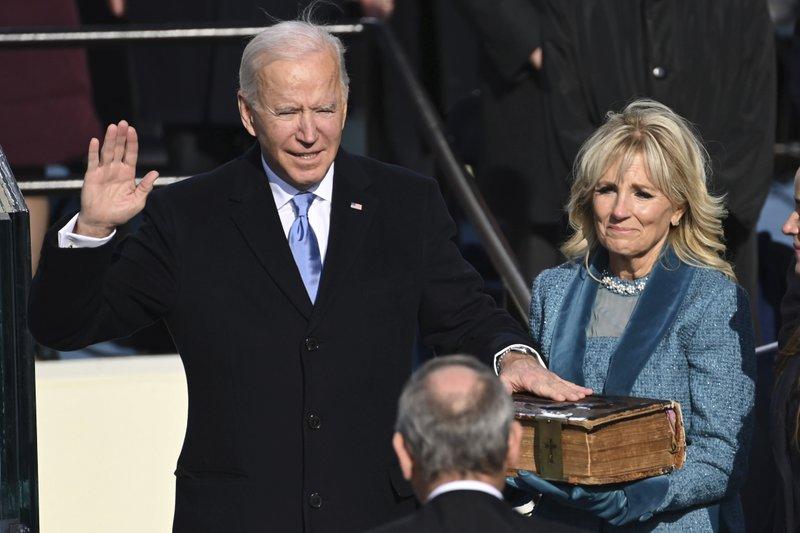 Chứng khoán Mỹ lập đỉnh lịch sử trong ngày ông Biden nhậm chức - Ảnh 2.