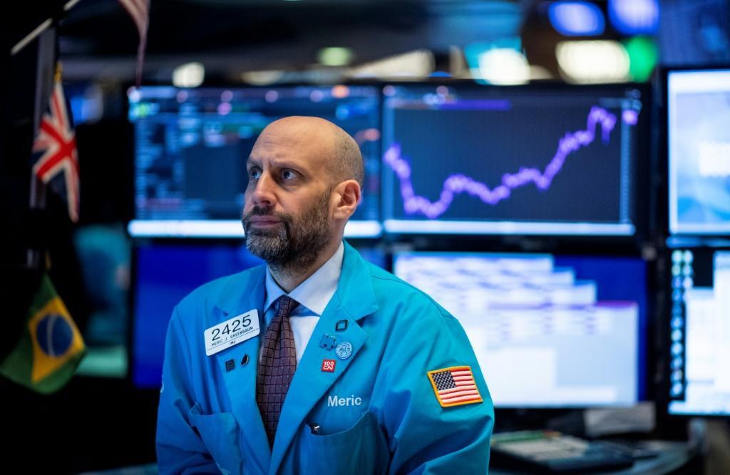 Cổ phiếu công nghệ nhảy vọt, Nasdaq và S&P 500 tiếp tục lập đỉnh - Ảnh 1.