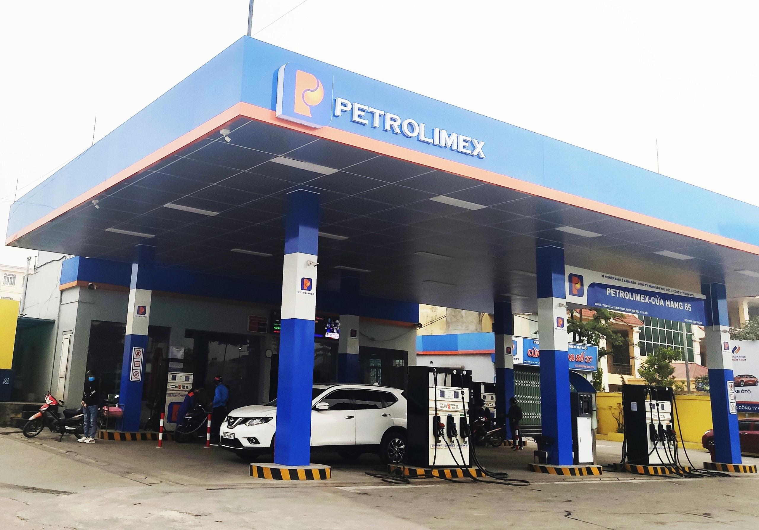 Petrolimex muốn bán 25 triệu cổ phiếu quỹ, giá trị tương ứng 1.360 tỷ đồng - Ảnh 1.