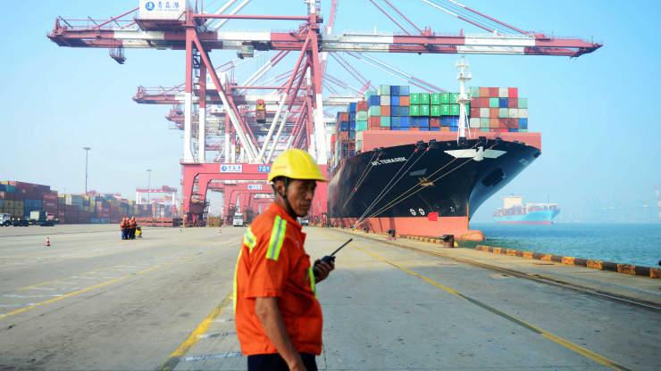 Khủng hoảng vỏ container đẩy cước vận tải biển tăng 300% - Ảnh 1.