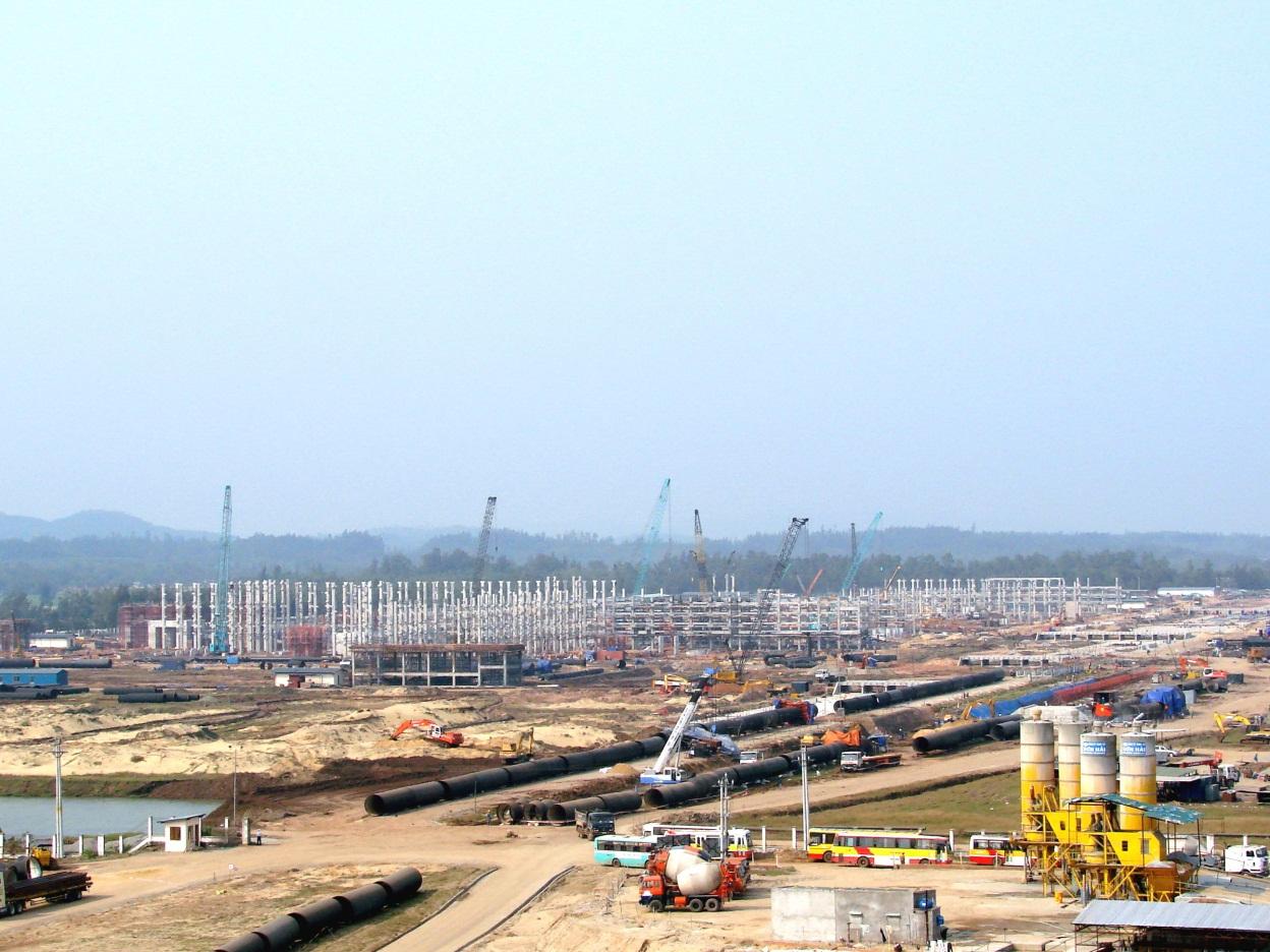 KKT Dung Quất và các KCN Quảng Ngãi thu hút gần 297.000 tỷ đồng vốn đầu tư - Ảnh 1.