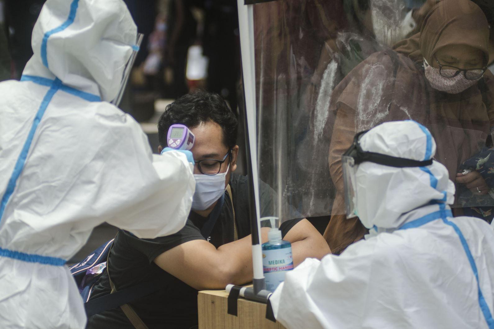 Bộ Y tế đề xuất dừng các chuyến bay từ nước có biến thể mới của SARS-CoV-2