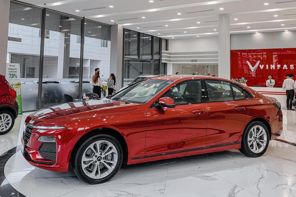 Mẫu xe nào được hưởng ưu đãi 50% phí trước bạ trong năm 2021?