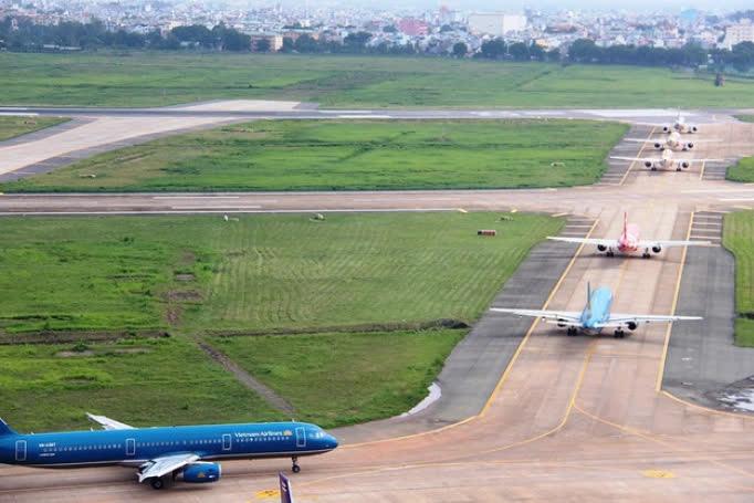 Đường băng 25R sân bay quốc tế Tân Sơn Nhất chính thức khánh thành vào 10/1