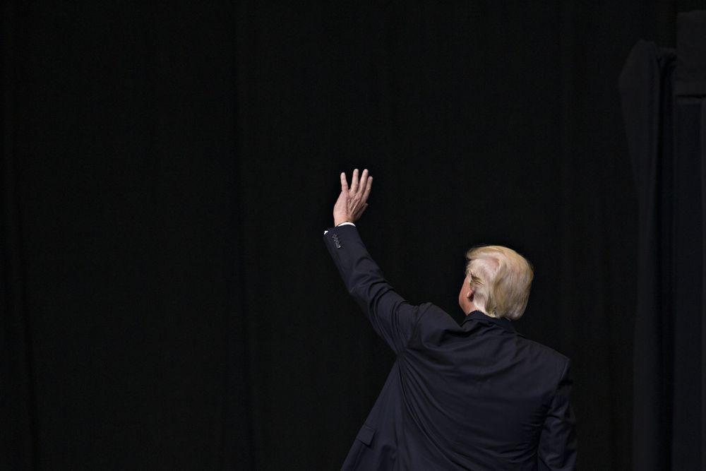 Kỷ nguyên Trump khép lại trong hỗn loạn, doanh nghiệp Mỹ đau đầu tìm lời thích hợp để chia tay - Ảnh 1.
