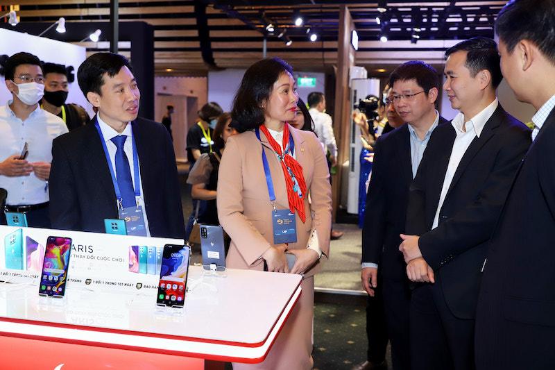 VinSmart 'khoe' nhiều sản phẩm công nghệ mới tại Tech Awards 2020 - Ảnh 1.