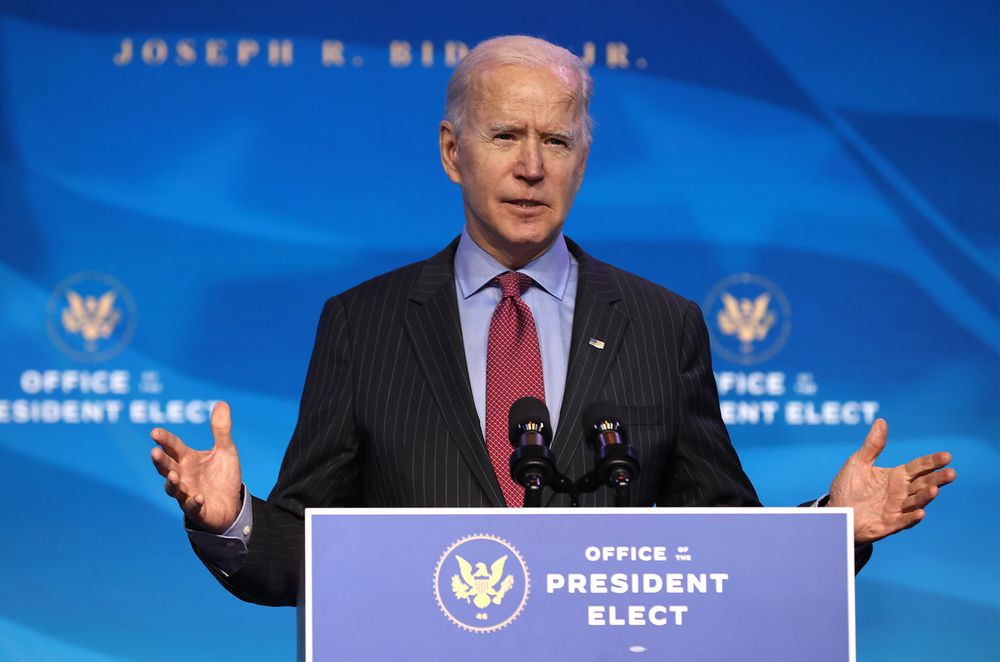 Ông Biden muốn tung cứu trợ hàng nghìn tỷ USD, gợi lại mục tiêu phát tiền mặt lên 2.000 USD - Ảnh 1.